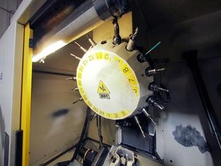 Fräsmaschine Fanuc Robodrill α-T21iFL-6